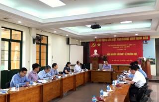 Thứ trưởng Phạm Ngọc Thưởng làm việc với Viện Nghiên cứu Thiết kế Trường học.