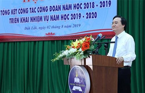 Chủ tịch Công đoàn Viện NCTK Trường học tham dự Hội nghị Công đoàn Giáo dục Việt Nam tổ chức tại Trường Đại học Tây Nguyên, tỉnh Đăk Lăk.