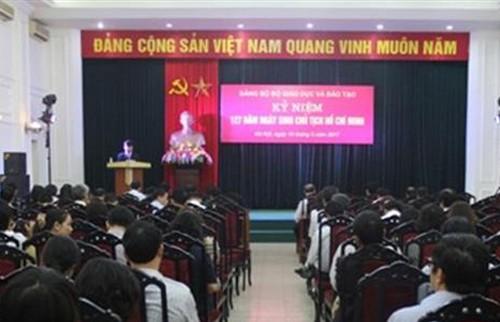 Bộ GD&ĐT kỷ niệm 127 năm ngày sinh Chủ tịch Hồ Chí Minh